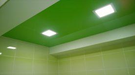 Двухуровневый натяжной потолок в ванной